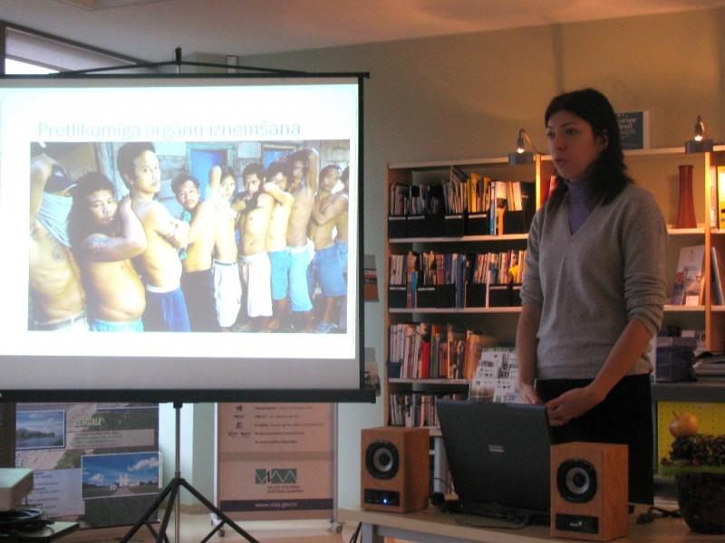Kampaņa pret cilvēku tirdzniecību Atver acis! | Patvērums Drošā Māja