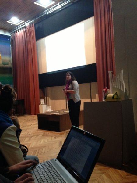 Brīvprātīgā Lauma Bauermeistere. Radošo darbu izstādes par cilvēku tirdzniecību atklāšana, 12. aprīlis