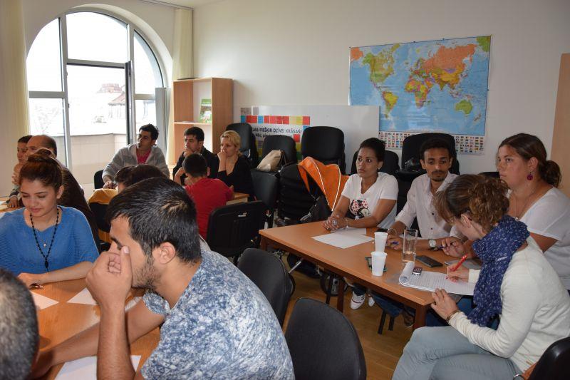 Nodarbības patvēruma meklētājiem | Patvērums Drošā Māja