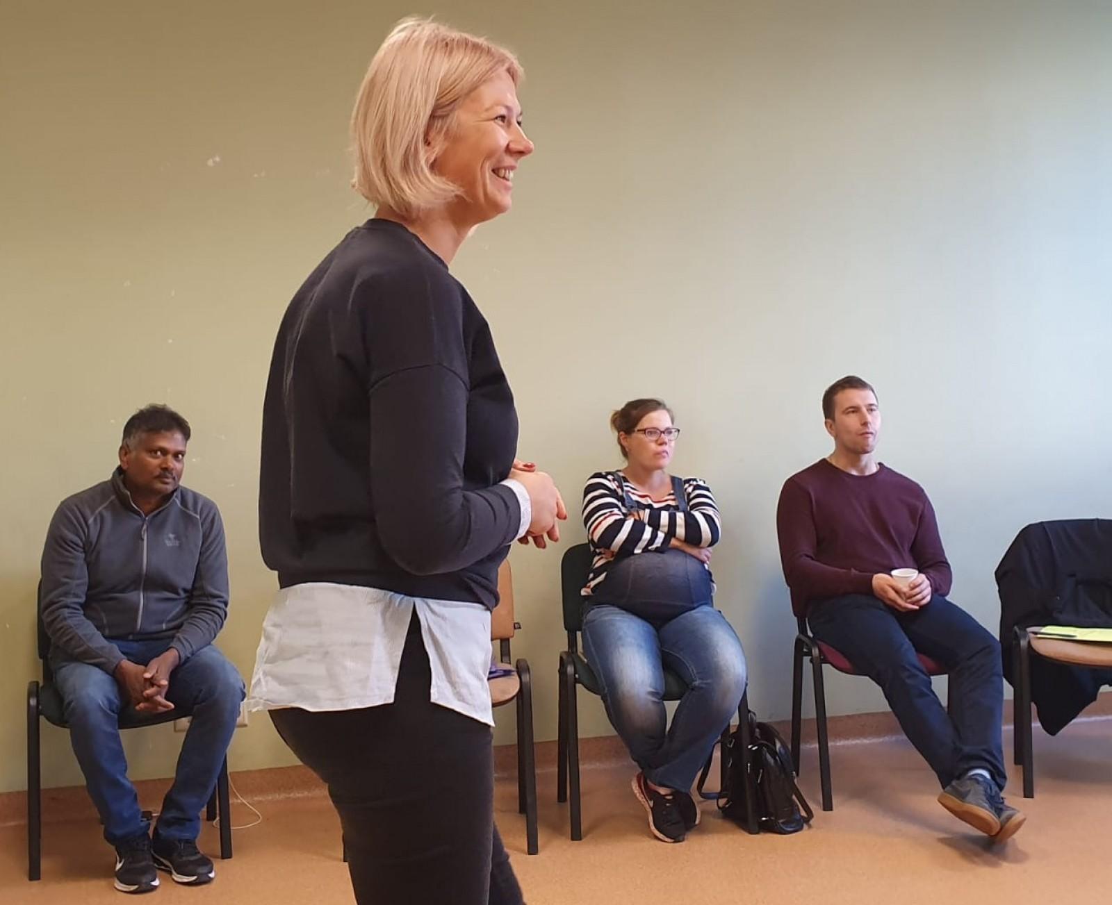 Latviešu sarunvalodas kluba nodarbība Liepāja | Patvērums Drošā Māja