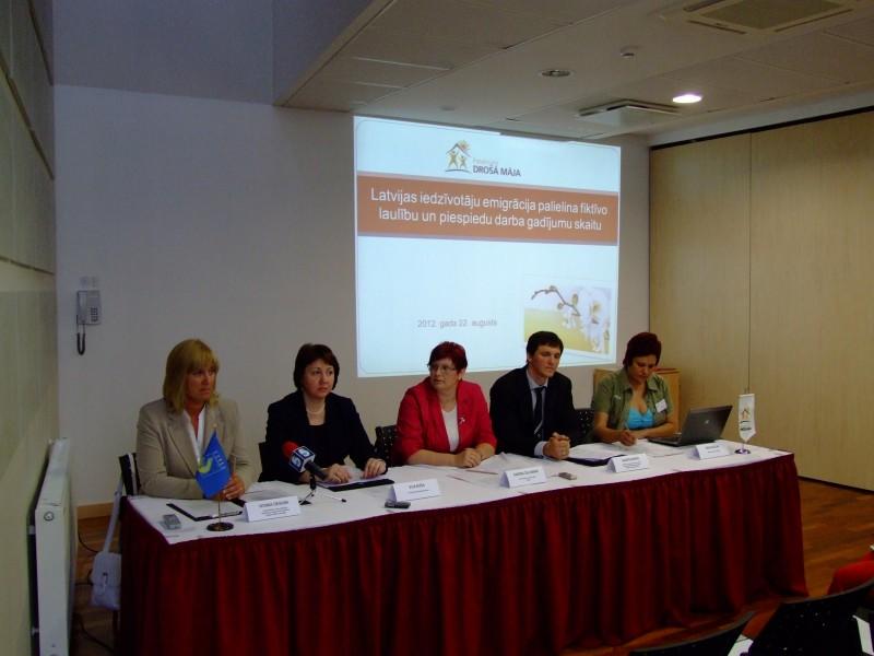 Кампания против торговли людьми в Риге.